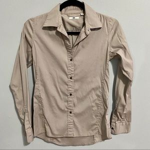 Uniqlo fitted button down top